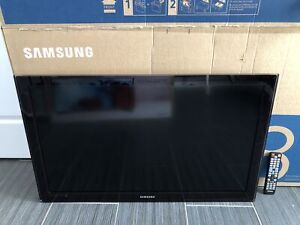 "Samsung 40"" wall mount TV"