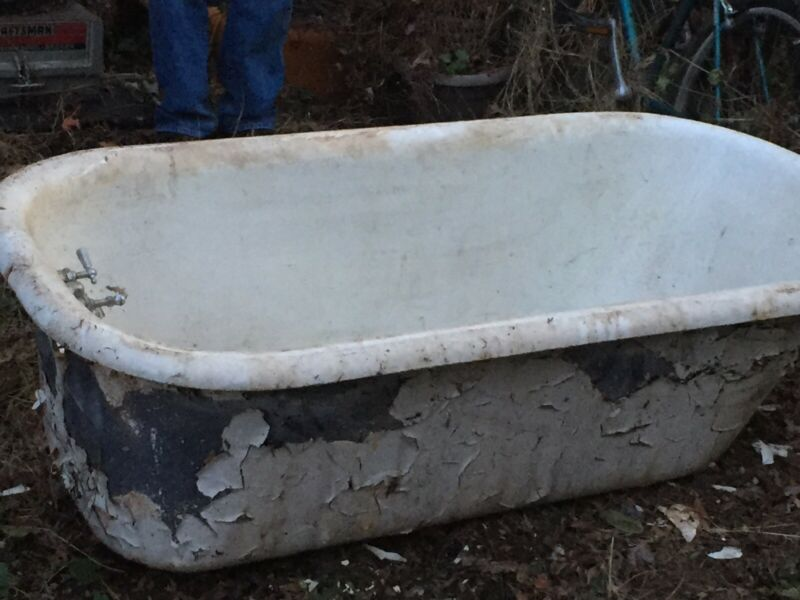 Antique Claw Foot Tub, Salvage, Feet Included, Local Pickup SINY