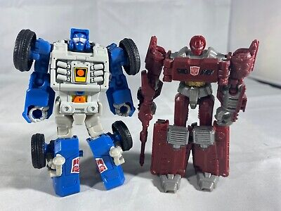 Transformers Power of the Primes Legends Class Beachcomber Hasbro & Warpath