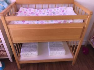 Baby change table