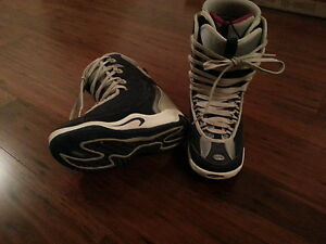 Ladies RIDE Snowboard boots 8.5 Like New