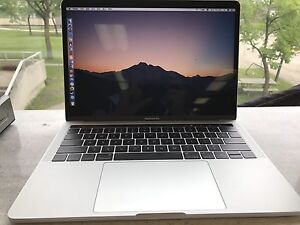 Apple MacBook Pro 2016 with touchbar 13inch