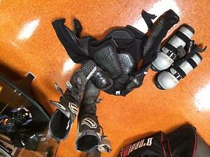 Body armour and boots Chermside West Brisbane North East Preview