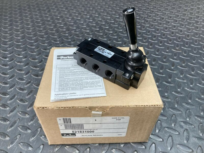 Parker Manual Air Control Valve, 4-Way, 3-Position, 521831000