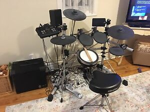 Yamaha DTX502 electric drums