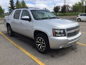 2012 Chev Avalanche LTZ , winter and summer custom rims