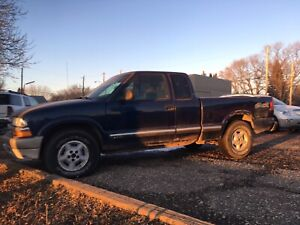 2001 Chev S10 4WD Truck.  $2,000