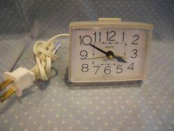 WESTCLOX BOLD II Dialite Electric Tabletop Alarm Clock Light Gray~ # 22288~ EUC