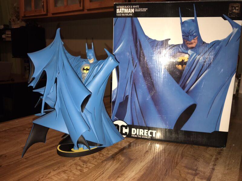 DC Collectibles 9.3 inch Batman Statue - Black&White Full Color Variant