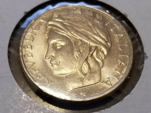 1996 Italy 100 Lire - Female Facing Left With Long Hair Under a Turreted Cap