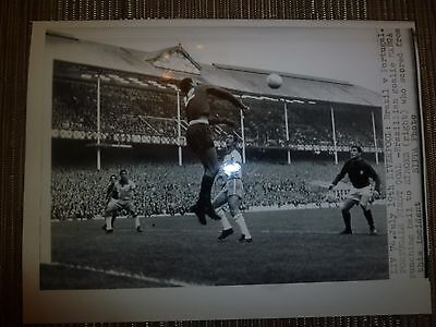 Press Photograph 1966 World Cup BRAZIL v PORTUGAL (MANGA - SIMOES)
