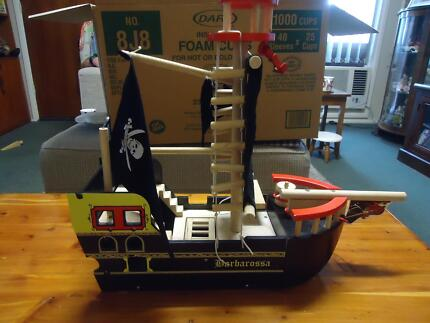 WOODEN TOY PIRATE SHIP WITH 7 SMALL PIRATES 3 LARGE PLUS MORE Hay Hay Area Preview