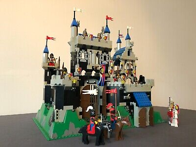 LEGO - ROYAL KNIGHT'S CASTLE-6090 Pre-owned 1995 - Complete set w/Manual