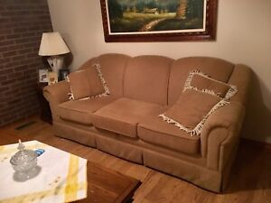 Couch set- colour light brown / beige