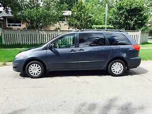 2007 Toyota Sienna, 121 000 KM, 1 Owner, Mint condition