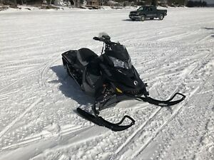2017 Skidoo Renegade XRS 800 in Mint Condition!