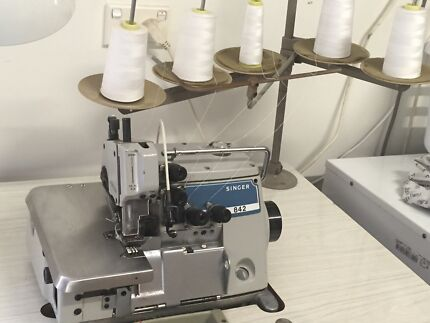 Industrial sewing machine Bilambil Heights Tweed Heads Area Preview