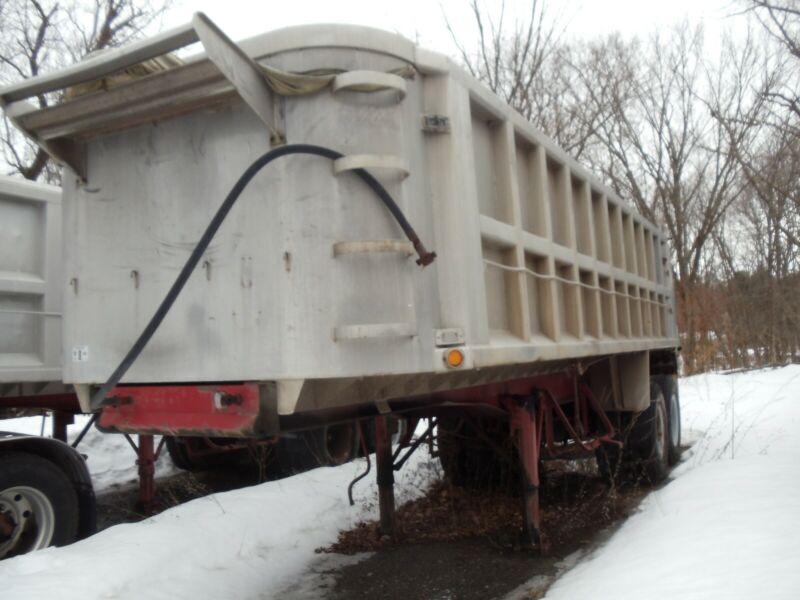 Hill dump trailer