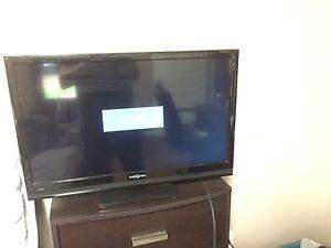 """27"""" Insignia TV"""