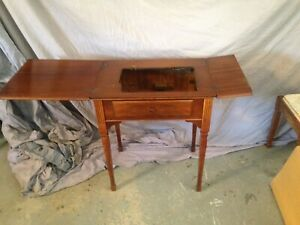 Sewing machine table. No sewing machine