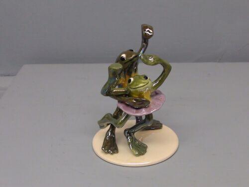 Open Eyes Hagen Renaker Specialty Dancing Frogs on Base