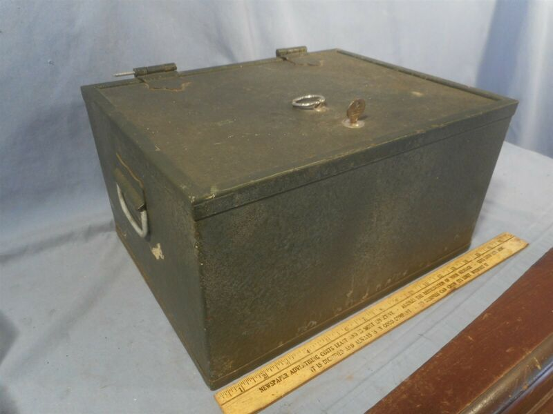 Antique Strong Box Fire Proof Safe Stagecoach Railroad Strongbox HEAVY 35LBS VTG
