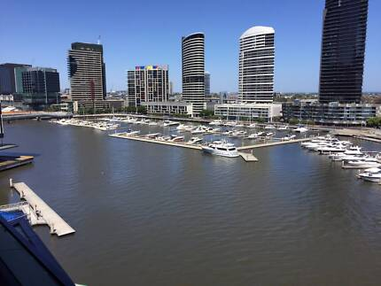 Private bedroom with own bathroom in Docklands