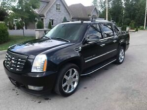 Escalade cadillac 2008  ext full  inspecter saaq milage ont