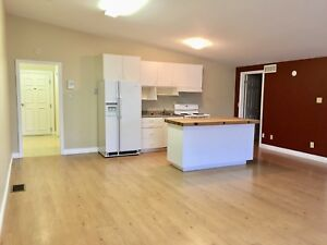 1 bdrm + den Perfect for home business  - Perth