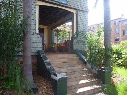 Room in a Large House in Central Wollongong- near Cafes and Beach Wollongong 2500 Wollongong Area Preview