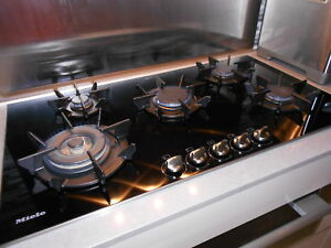 "Miele KM 391 G Gas Cooktop - 36"" - Black Ceramic/Stainless Trim"
