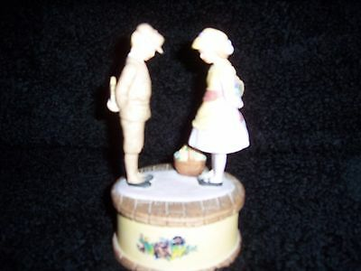 """Willitts Design Boy & Girl Figurine 1986 EUC Plays """"As Time Goes BY"""""""