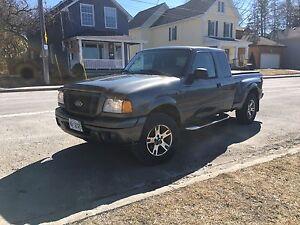 2004 Ford Ranger 4X4 4.0L V6 *loaded*