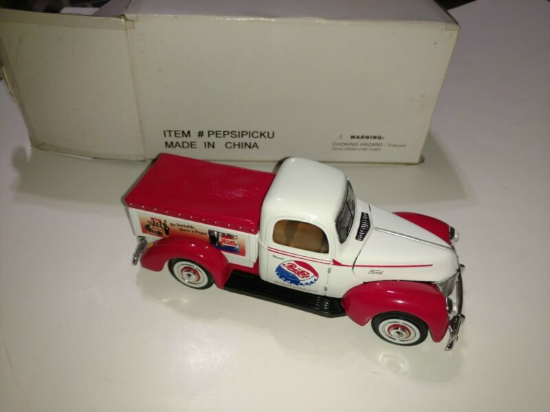 Golden Wheel Die Cast Ford - 40 MS13 Pepsi Cola Collectible Truck W/ box