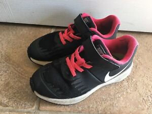 Pink & black girls size 12 Star Runner Nike sneakers