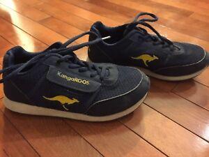 Boys sneakers size 3