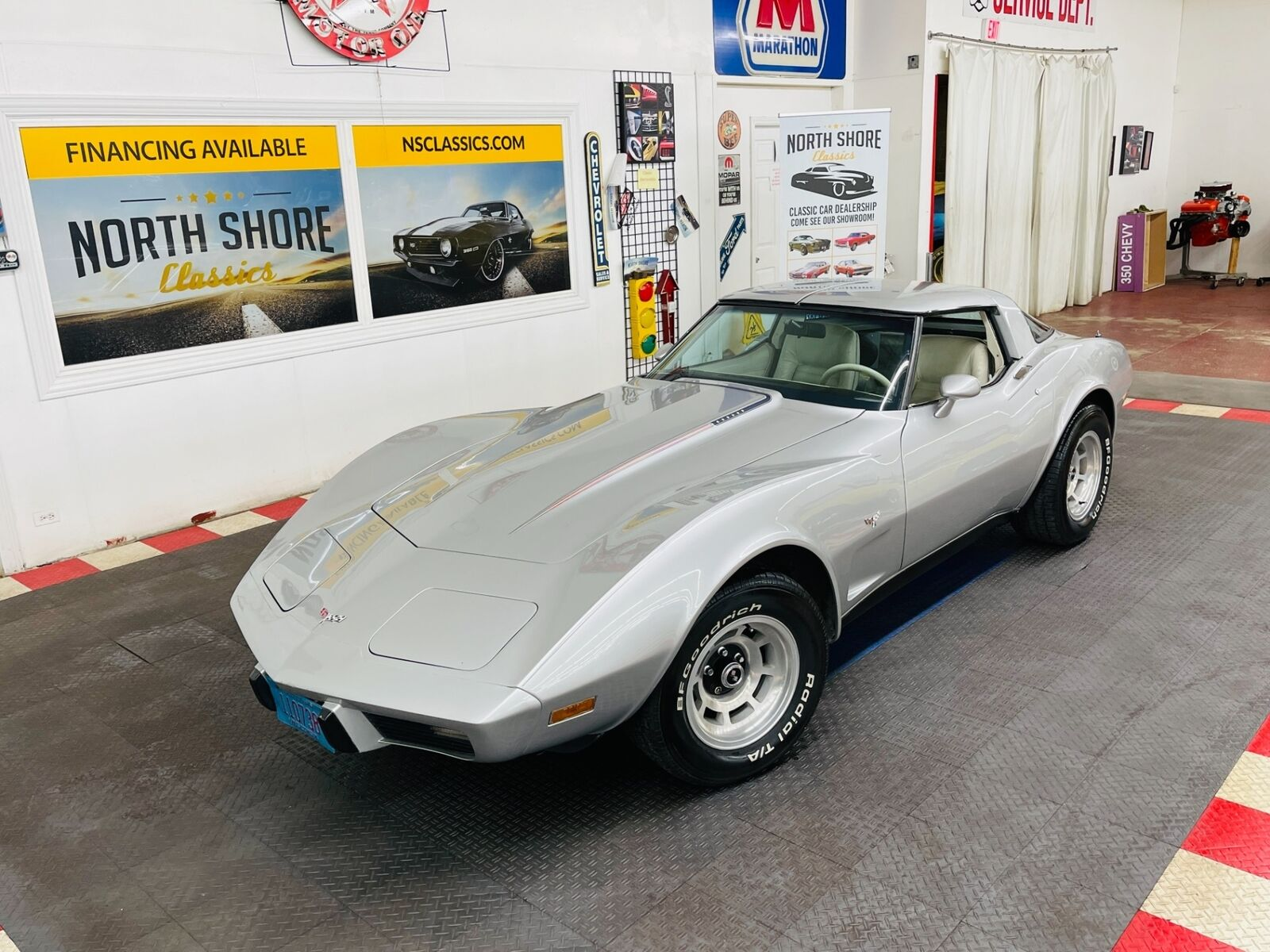 1979 Silver Chevrolet Corvette   | C3 Corvette Photo 1