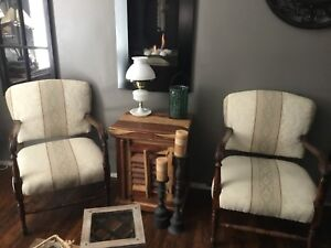 Pair of living room arm accent chairs  - Vintage / Antique