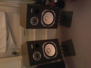 Vintage Yamaha 2 way house speaker's, hard to find, $100 firm