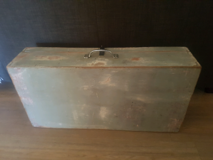 Wanted: Vintage wishing well/ box for wedding