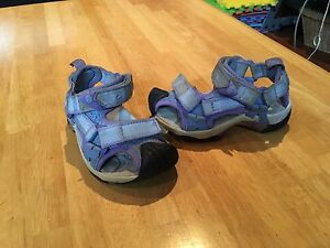 Girls summer sandals- keen and teva size 8