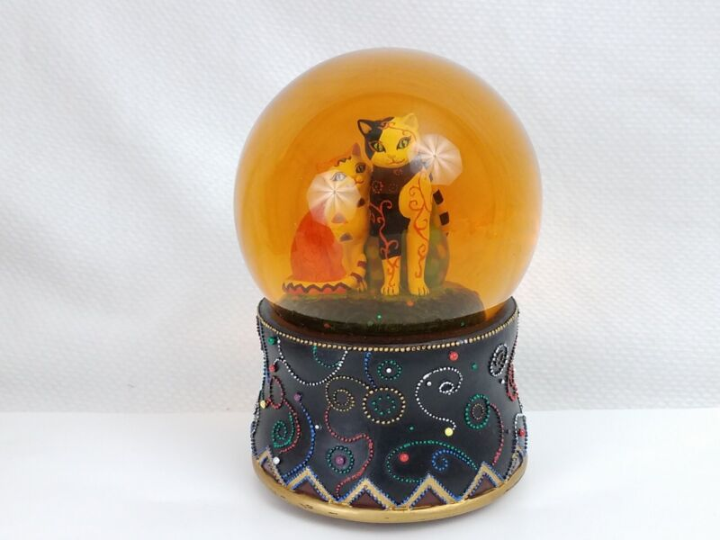 Kleo Kats Musical Snow Globe, Plays Alley Cat, Designed by Marjorie Samat, Cats