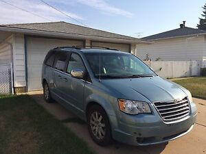 Fully loaded town & country touring Chrysler minivan