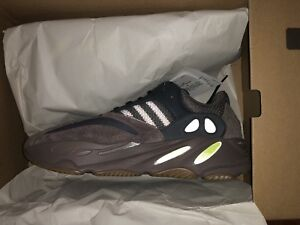 Brand New YEEZY BOOST 700 (US 10.5)   Negotiable