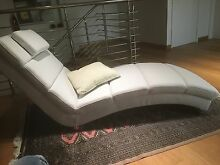 White Full Leather Chaise Longue or Modern Daybed Madora Bay Mandurah Area Preview
