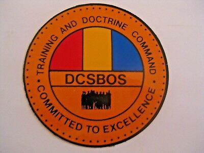 NOS UN USED VINTAGE U.S. ARMY  MILITARY TRAINING DOCTRINE COMMAND DECAL STICKER