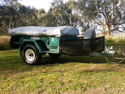 Challenge off-road camper trailer