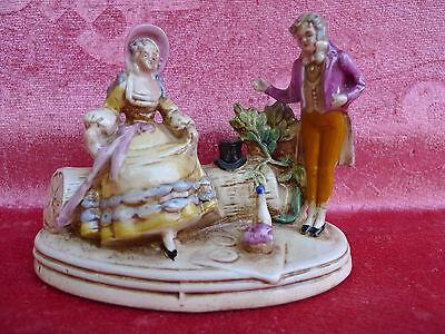 schöne,alte Porzellanfigur__Biedermeier-Paar beim Picknick__gemarkt__!