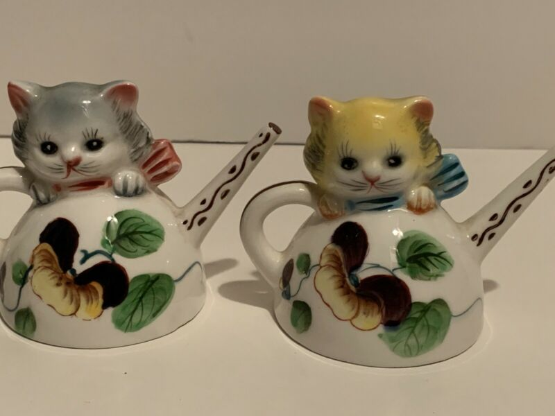 Vintage PY Japan Anthropomorphic Cats In Teapots Salt Pepper Shaker B308