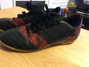 Indoor Soccer Shoe - Size 5